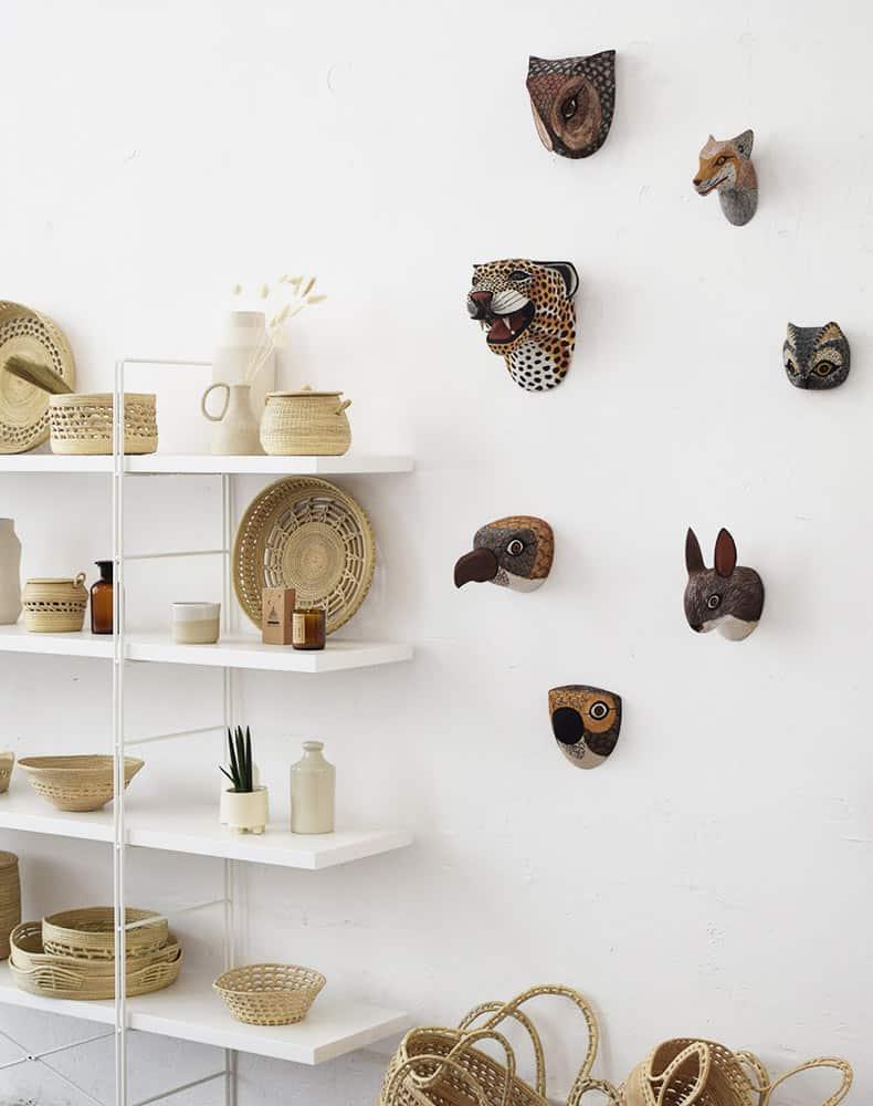 Masque Trophée mural en bois - Ambiance 3
