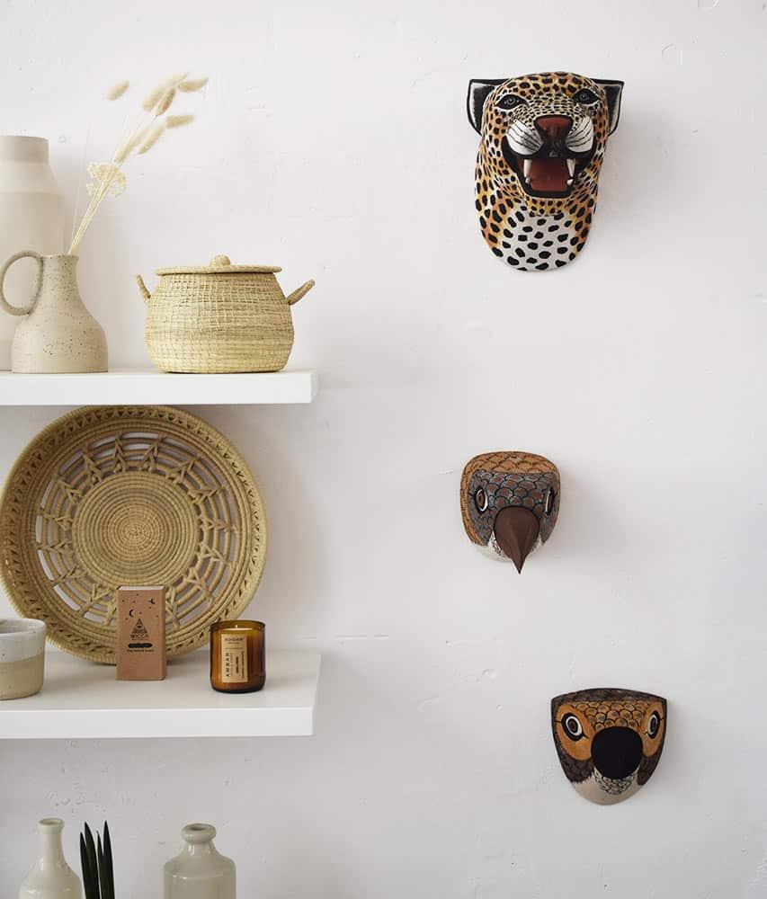 Masque Trophée mural en bois - Ambiance 4