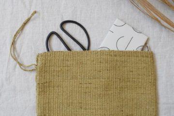 Pochette tissée jaune olive Finca Home - Ambiance