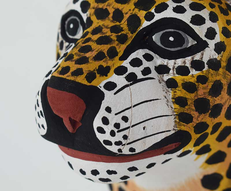 Masque Petit Jaguar en bois - Zoom