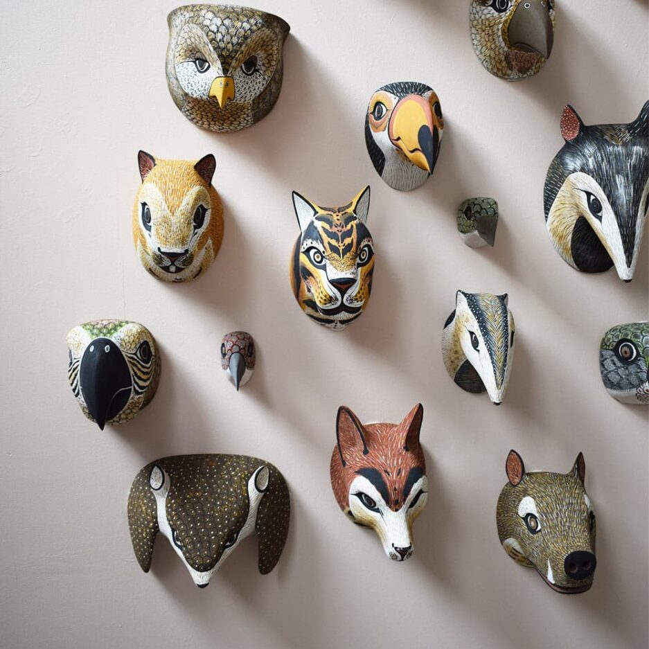 Masques animaux en bois Finca Home - Ambiance 1
