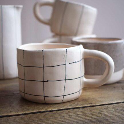Tasse en céramique artisanale carreaux Finca Home - Ambiance 2