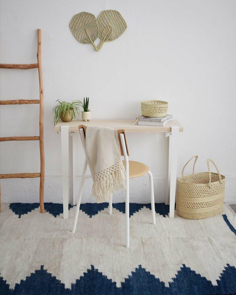 Tapis en laine bleu Finca Home - Ambiance
