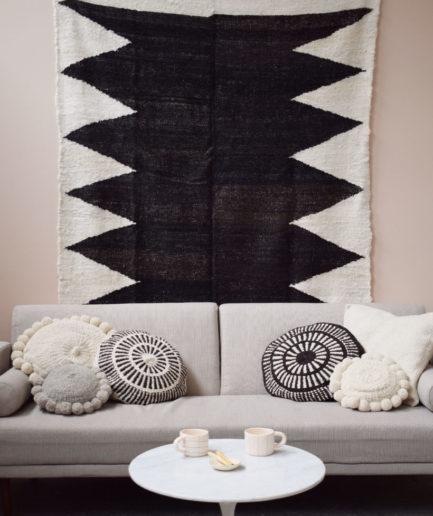 Tapis en laine noir Finca Home - Ambiance