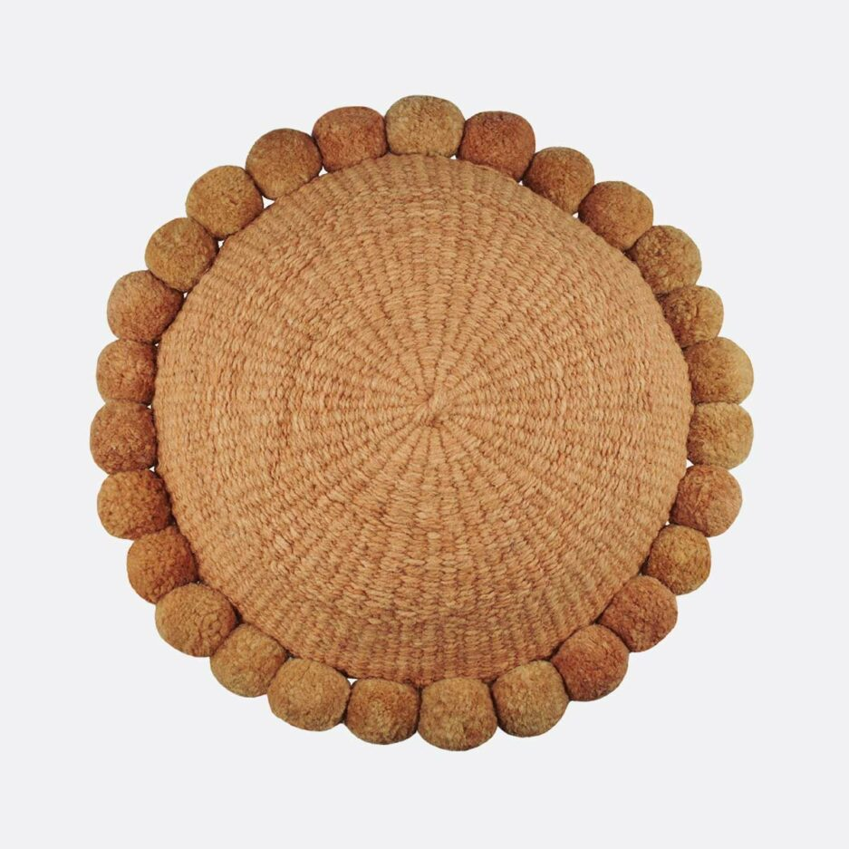 Coussin rond pompons ocre Finca Home