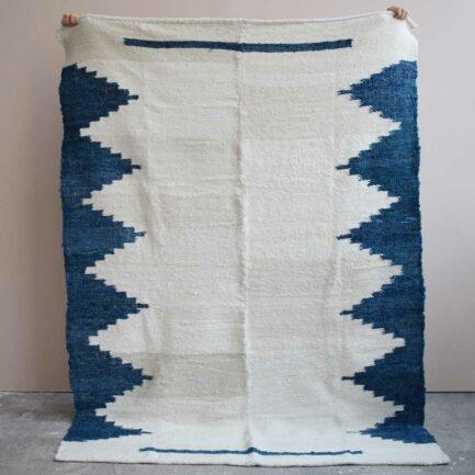 Tapis en laine bleu Finca Home