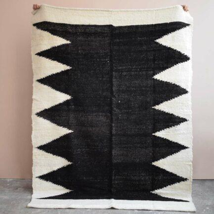 Tapis en laine noir Finca Home