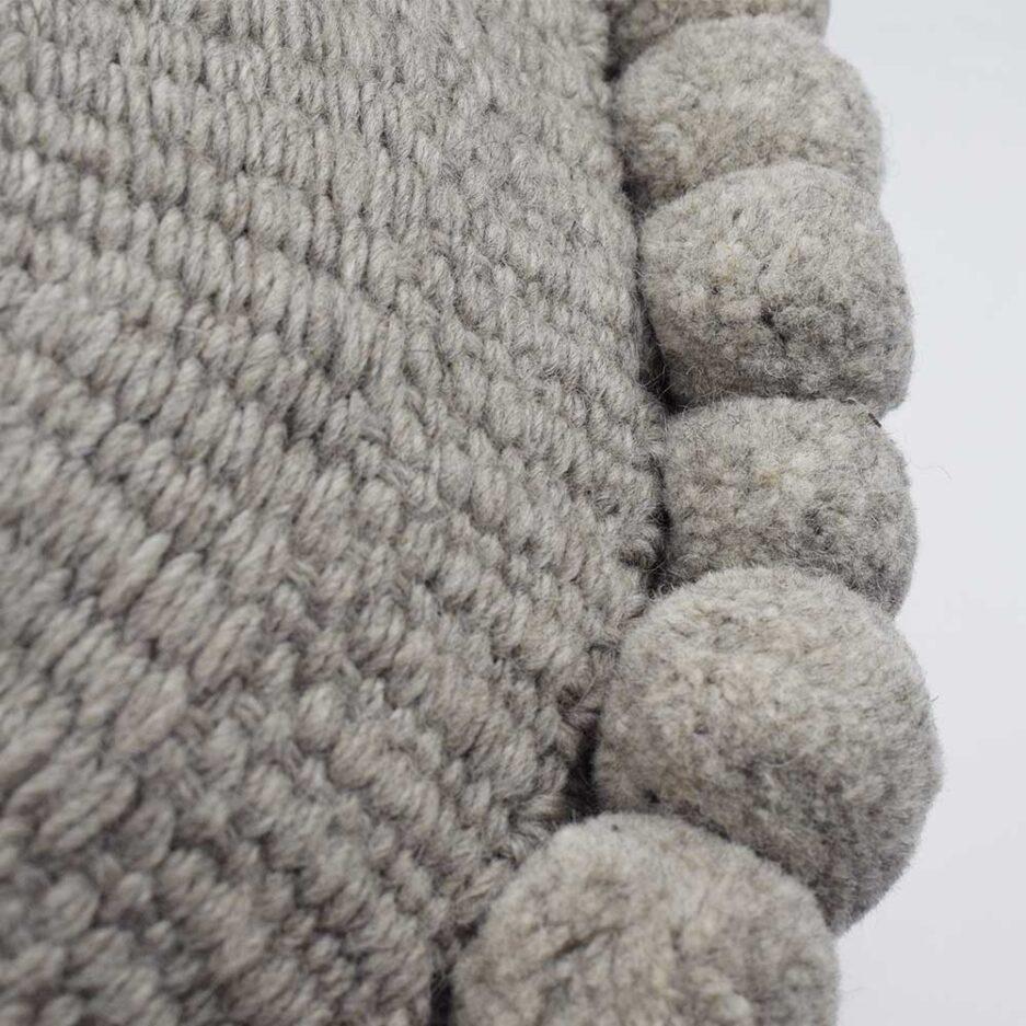 Coussin ethnique rond à pompons 50cm gris Finca Home - Zoom