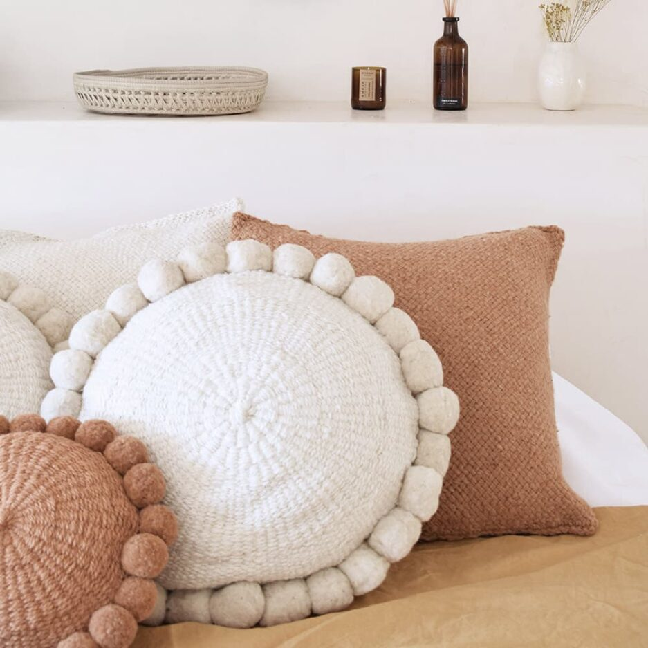 Coussin pompons rond blanc Finca Home