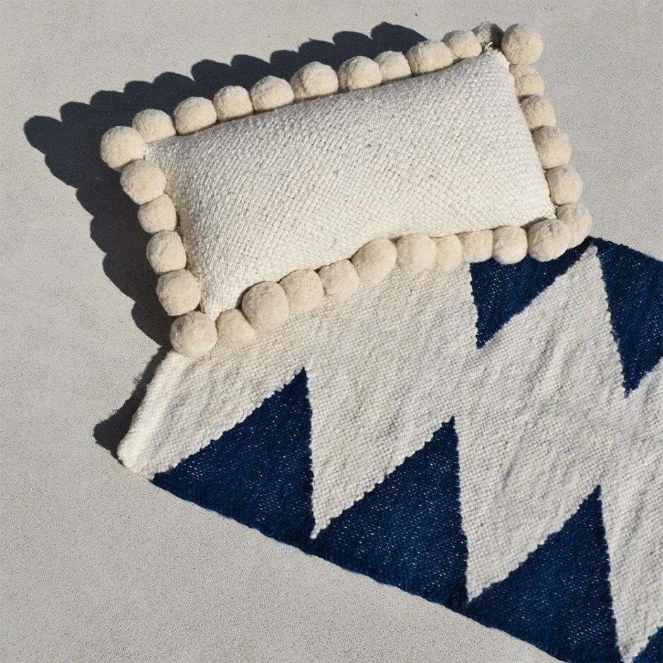 Mini tapis en laine motifs ethniques bleu Finca Home