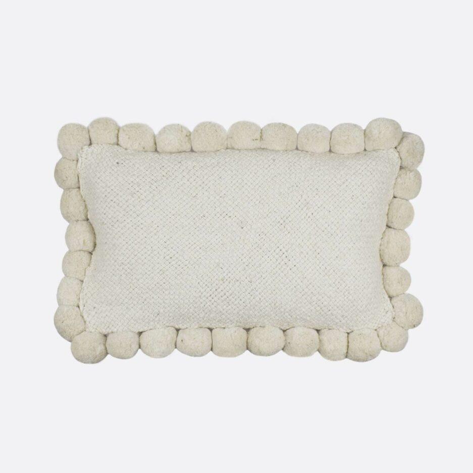 Coussin pompons rectangulaire blanc 30x60 Finca Home