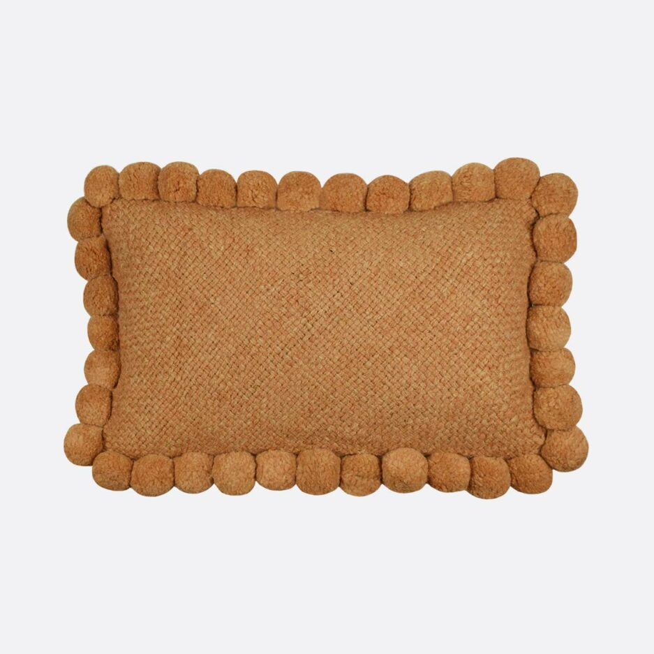 Coussin pompons rectangulaire ocre 30x60 Finca Home